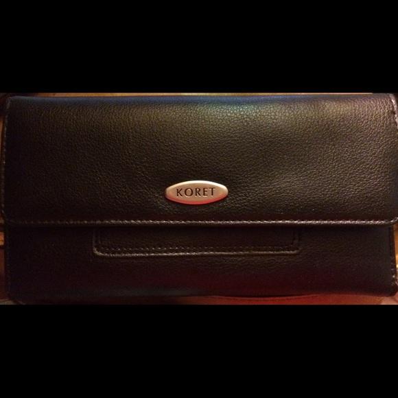 Other - Koret clutch wallet